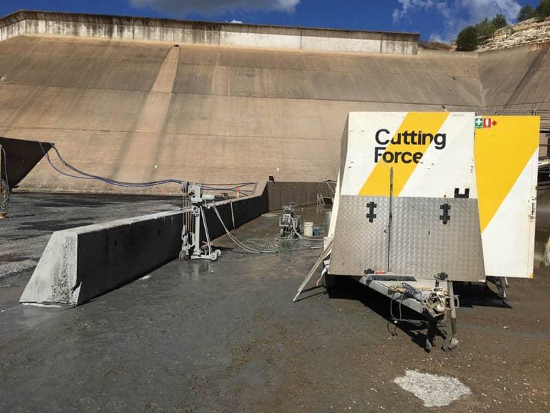 Wire Sawing Fairbairn Dam